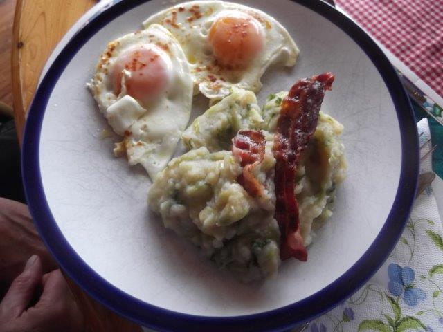CLEVER KOCHREZEPTE – Endivien döreen (Endivien-Kartoffel-Eintopf)
