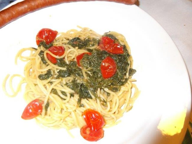 CLEVER KOCHREZEPTE – Spaghetti mit Spinat oder Mangold