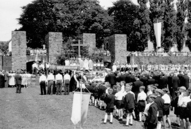 ehrenmal feier 1958