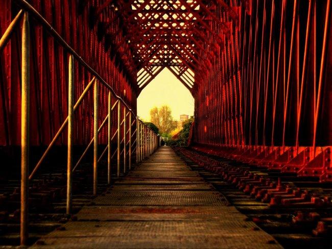 Een blik door de brug van Griethausen