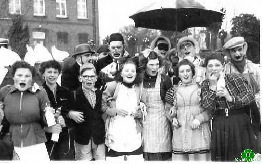 Klever Karnevals-Narren im Jahre 1955