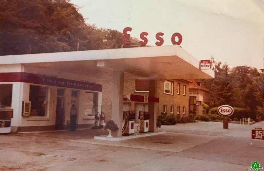 Die Esso-Tankstelle am Tiergarten