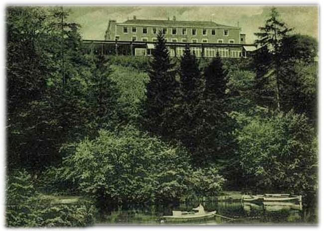 KERMISDAHL-ZICHT OP HOTEL MAYWALD IN KLEEF