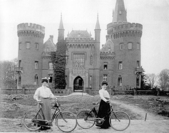 Ben je ooit naar Moyland Castle gefietst?