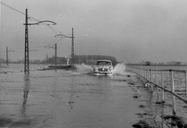 Overstroming bij het Schmithausenhuis in Kellen