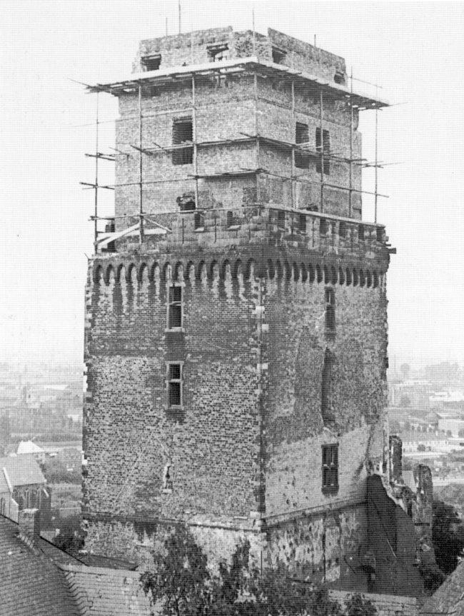 Kijk maar eens: de restauratie van de zwaan toren