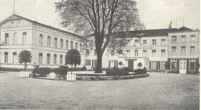 Der bemerkenswerte Innenhof von Hotel Maywald