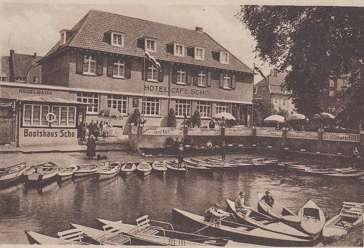 Hotel Cafe' Scho mit Bootshaus