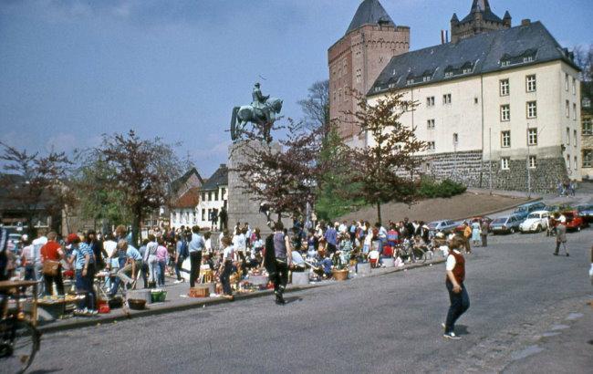 Was je daar? Rommelmarkt op de Schwanenburg 1983