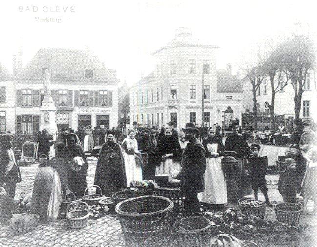 Markttag am Kleinen Markt in Kleve