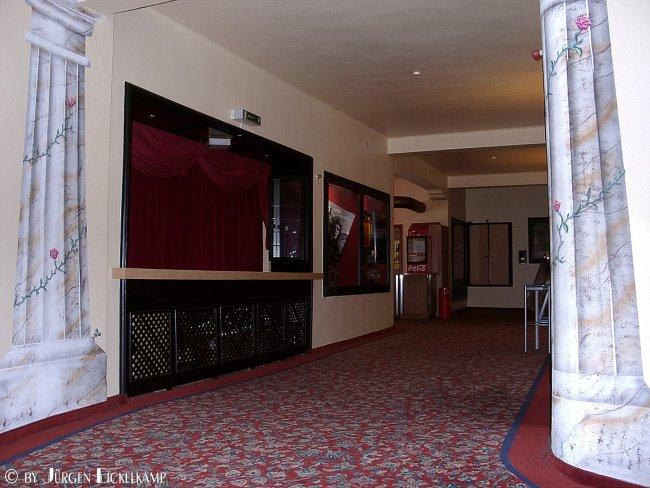 Heb je de kledingkast in het Burgtheater in Kleef nog gekend?