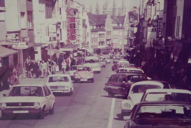 De waanzin in de Grote Straat in Kleef
