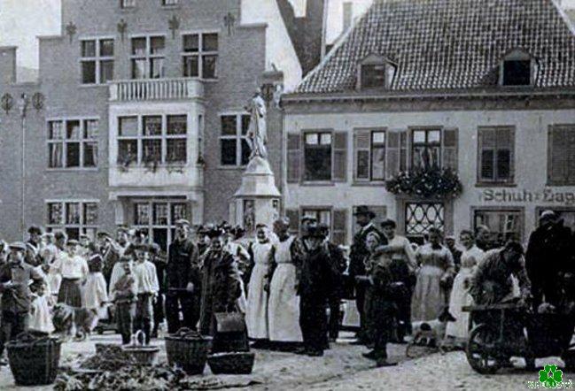 kleiner-markt-1905-klein