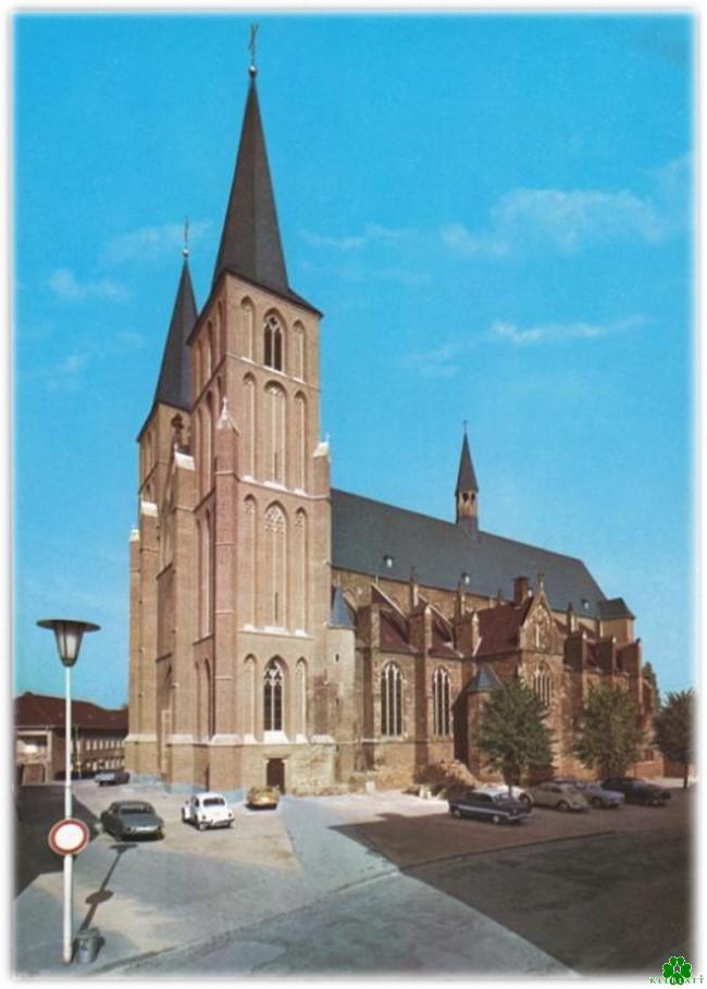 Hast Du damals auch rund um die Stiftskirche geparkt?