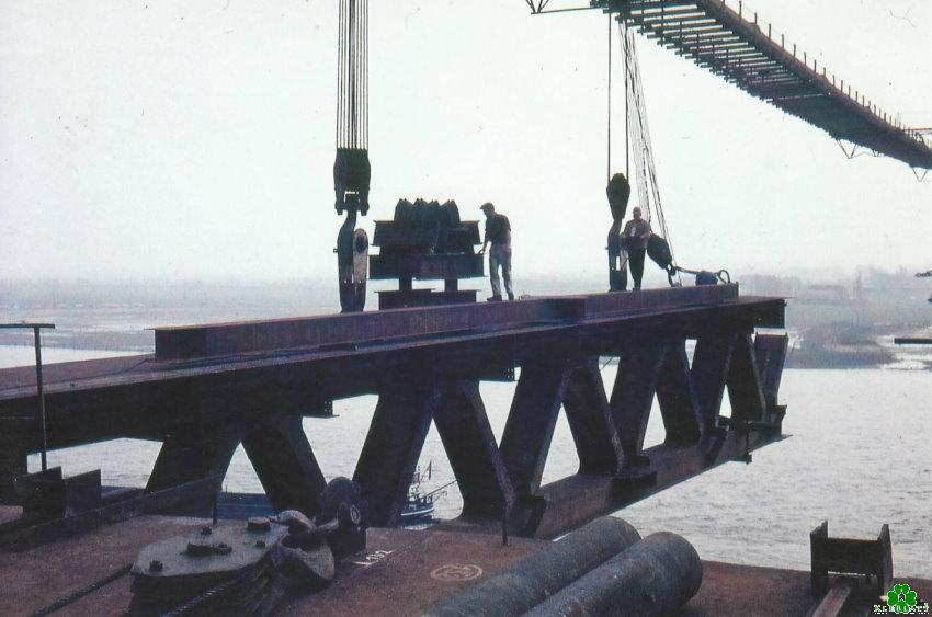 Evenwichtsoefening op de Rijnbrug